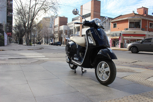 vespa gts 300  - lemamotor on the road