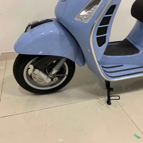 vespa gts 300 scooter retro 0km nuevo italiano vintage