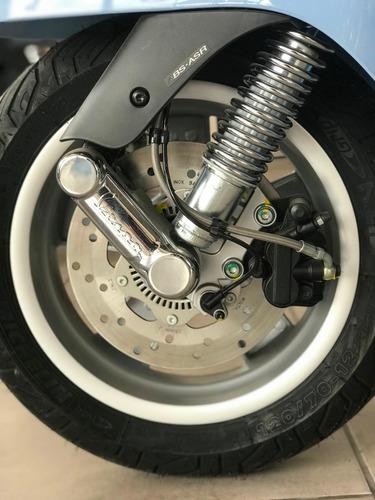 vespa gts scooter