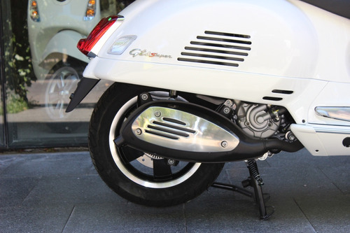vespa gts super 300 - motoplex devoto - blanca 0km