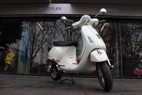 vespa  vxl 150 blanco 0km - motoplex devoto