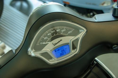 vespa vxl 150 - lemamotor on the road