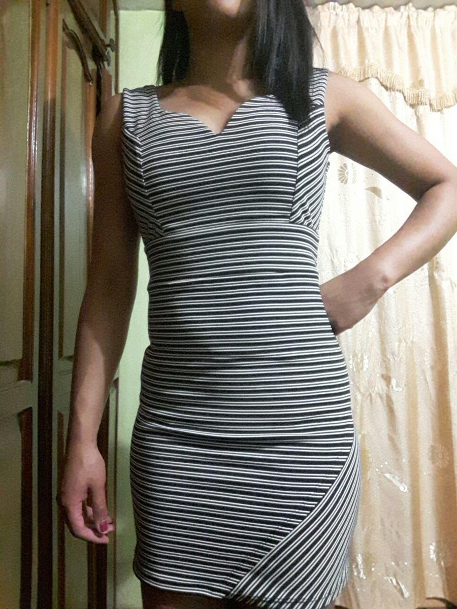 Vestido en rayas blanco y negro