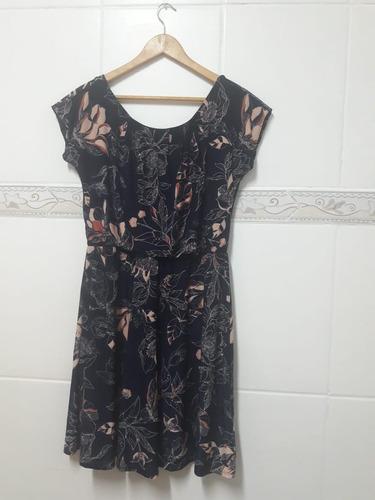 vestido azul escuro estampa floral