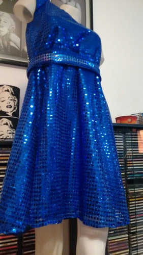 vestido azul. soy luna.