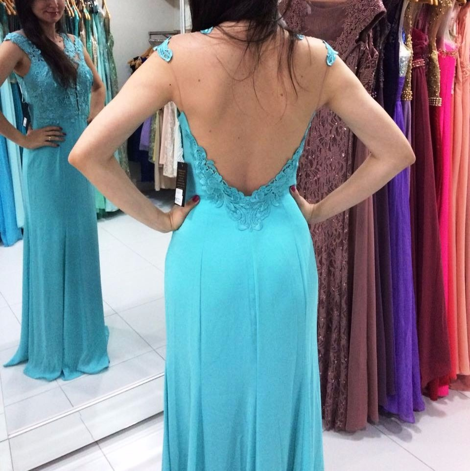 Vestido de madrinha na cor azul tiffany