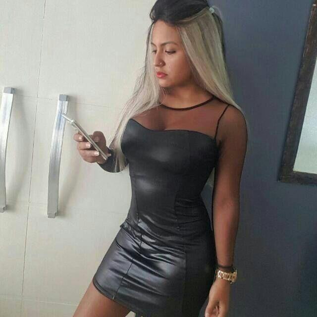 6b82e2052b Vestido Balada Tubinho Couro Ecologico Manga Longa Tule Top - R  39 ...