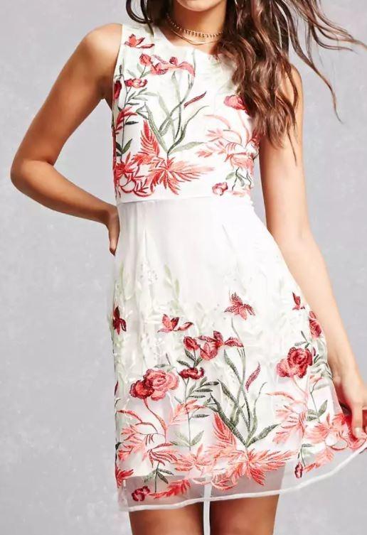 Vestido blanco con flores