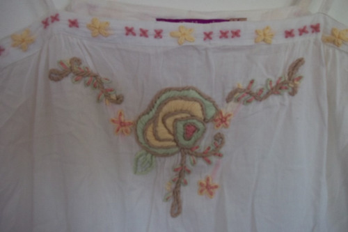 vestido blanco de vual bordado