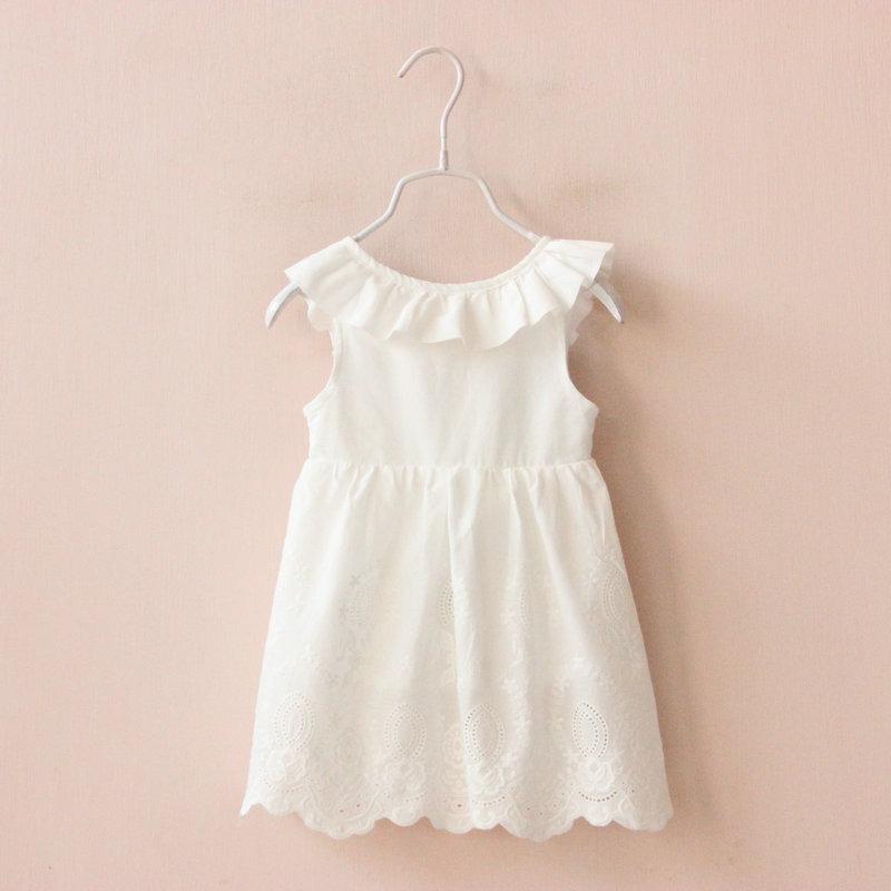 Vestido blanco para el bautizo
