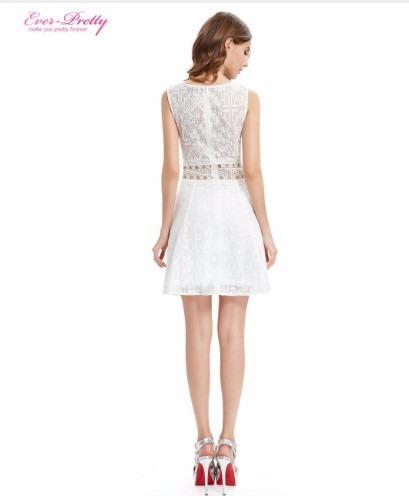 8673a68ef Vestido Branco Em Renda Com Transparência Na Cintura - R  139