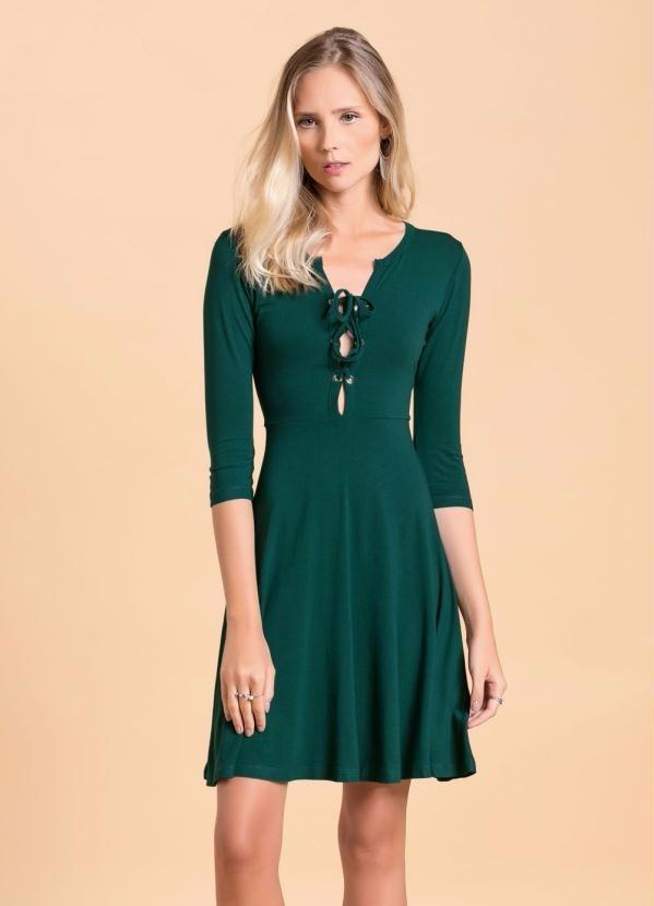 ffe3de236 vestido casual com amarração no decote verde musgo quintess. Carregando  zoom.