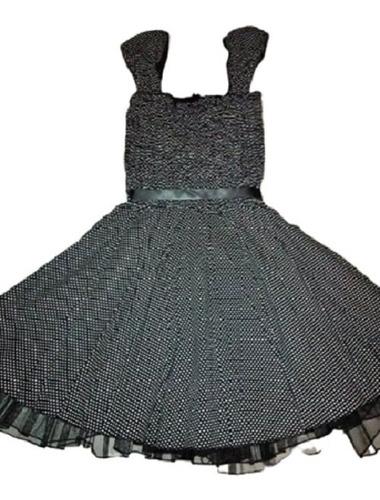 vestido casual de dama negro con lunares blancos