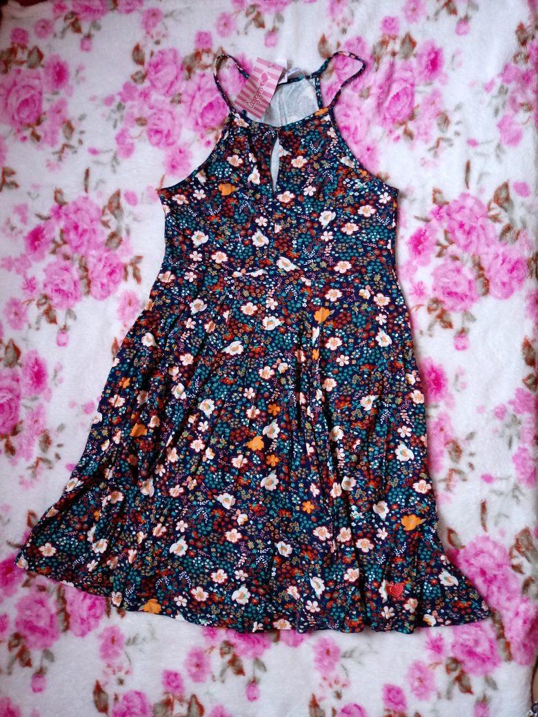 6a41ec9fb99 vestido codigo girls. Carregando zoom.