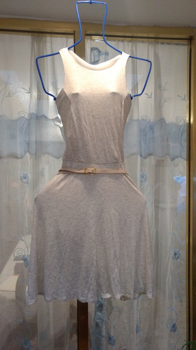 vestido color avena