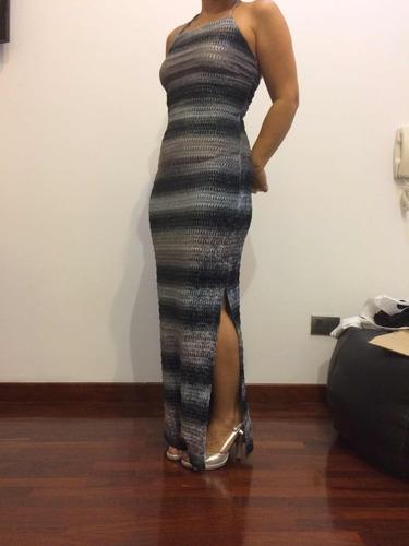 vestido color gris largo