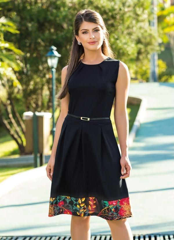 b36eed0e8b vestido com recorte preto - moda evangélica. Carregando zoom.