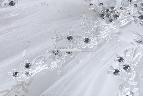 vestido comprido de casamento e debutante bordado em floral