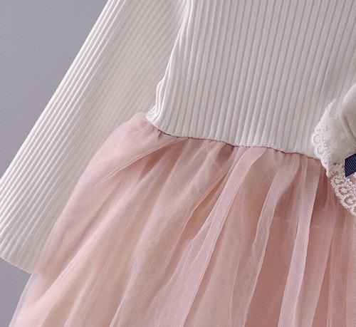 vestido con tul color rosa y blanco con accesorio de conejo