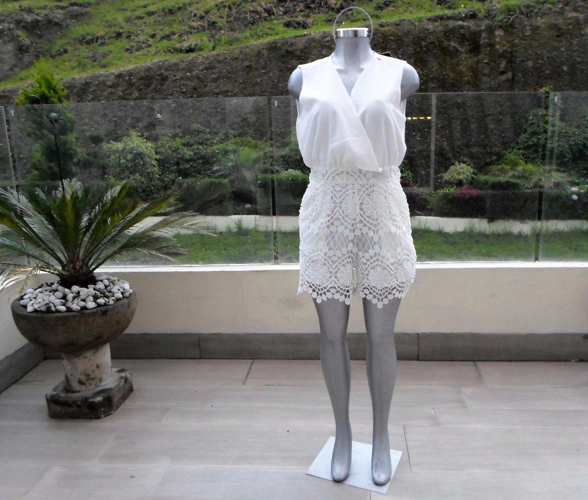 Vestido blanco corto guipur