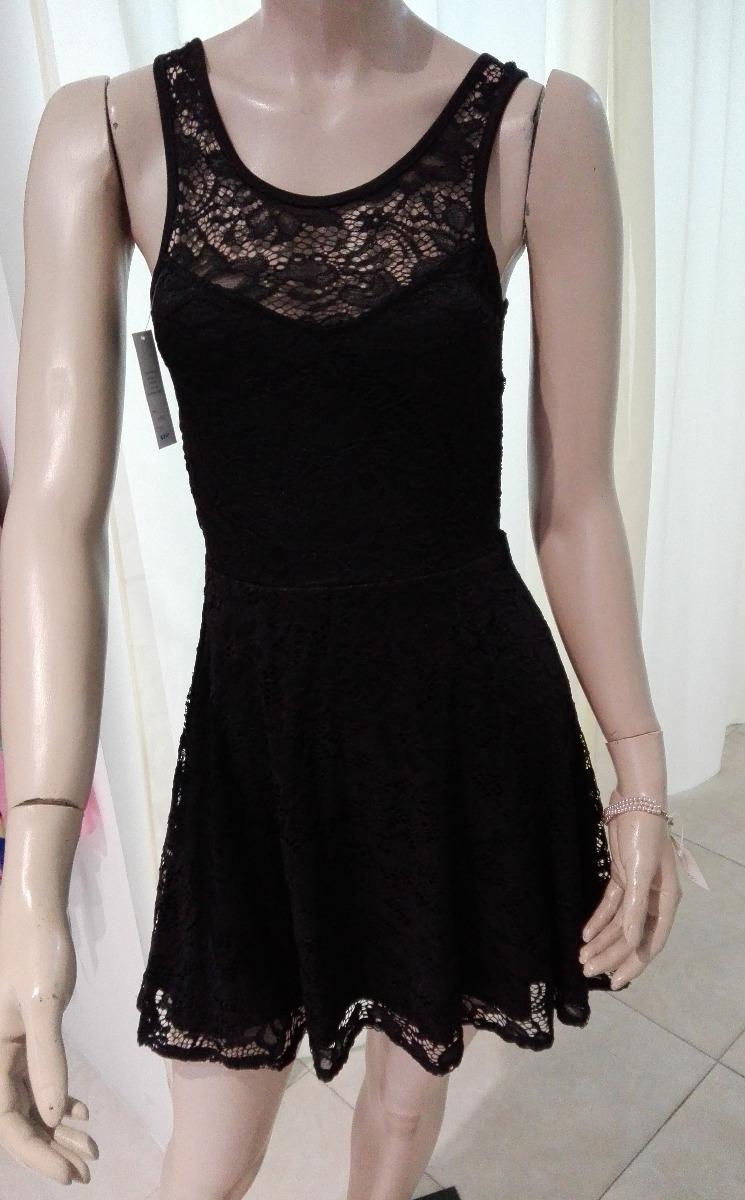 Vestidos en encaje negro