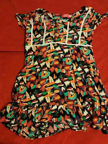 vestido corto floreado
