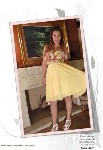 vestido corto strapless drapeado con tazas