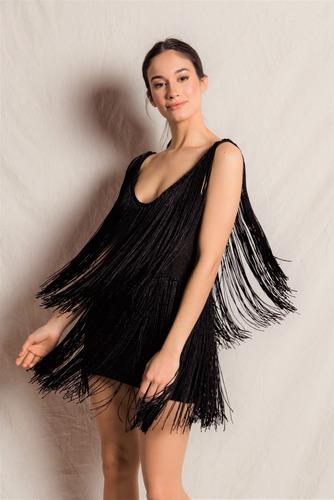 vestido corto tejido con flecos