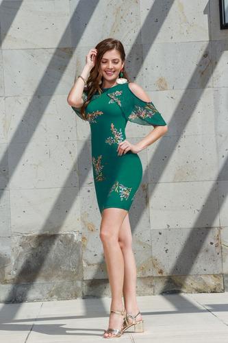 vestido corto verde con flores manga con hombro descubierto