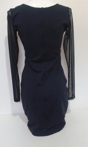 vestido curto manga longa em tule