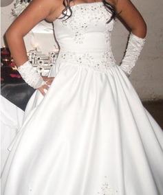 Vestido De 15 Años Blanco Con Detalles Negros