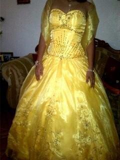 vestido de 15 años con armador incluido