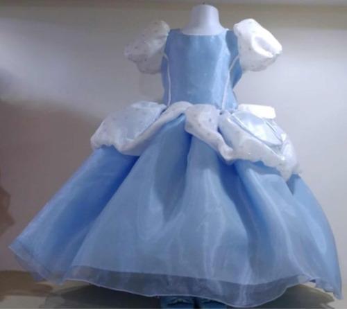 vestido de cenicienta talla 3 y zapato de niño talla 15