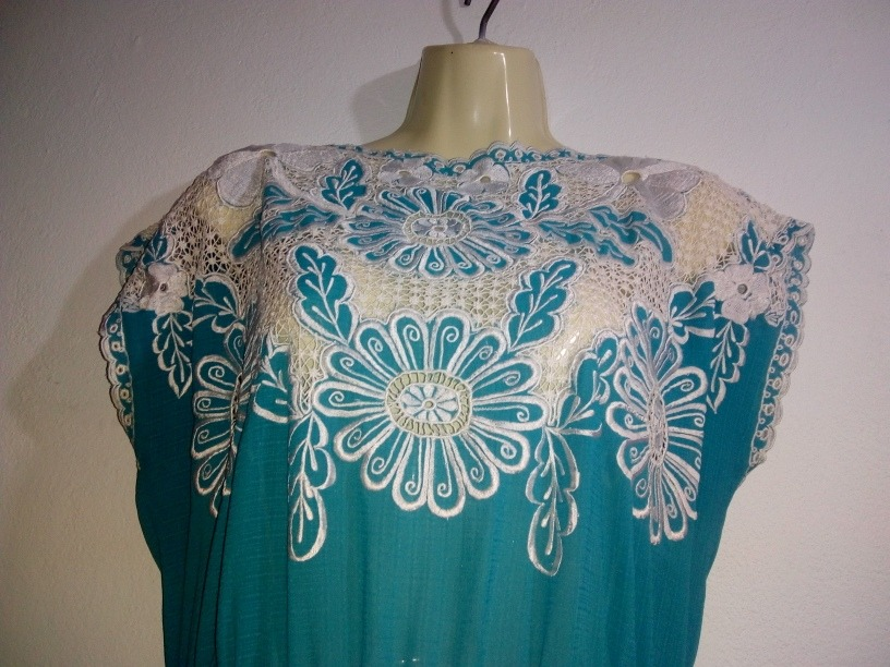 Vestido de dama azul turquesa