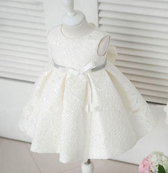 Vestidos de encaje blanco para fiestas