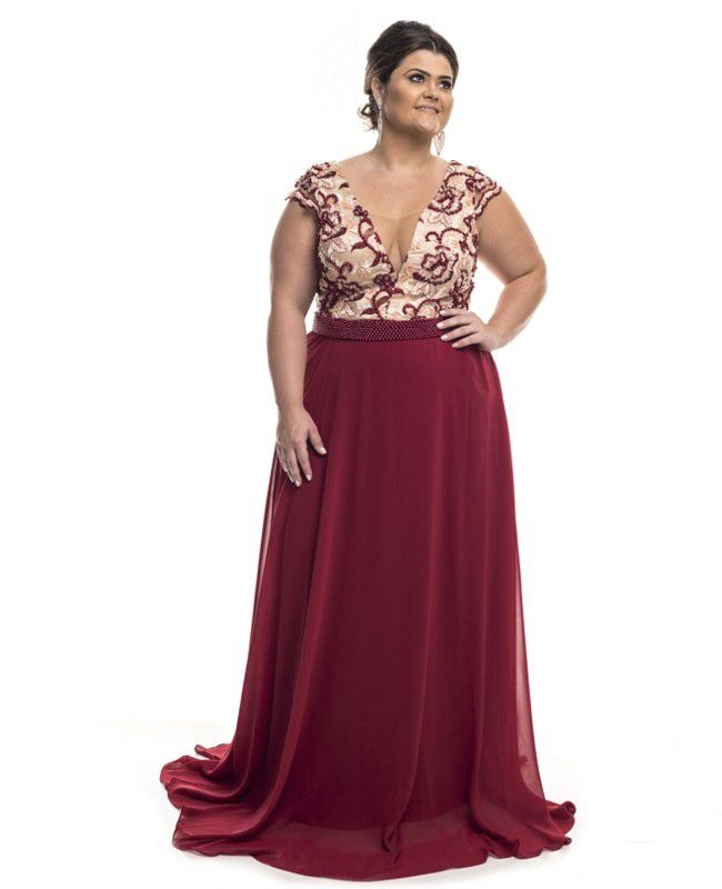 c3866836f vestido de festa plus size longo com tule bordado. Carregando zoom.