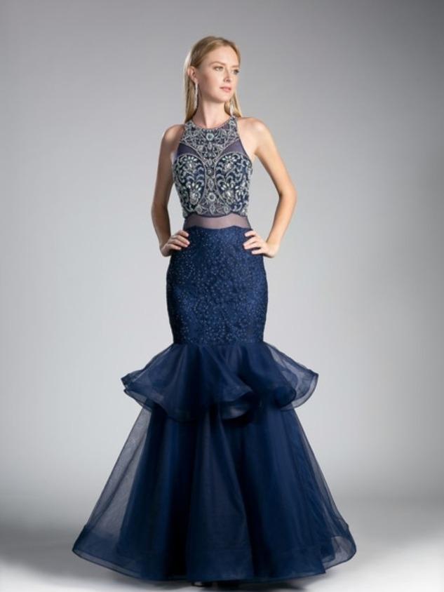 Vestido azul con corte de sirena