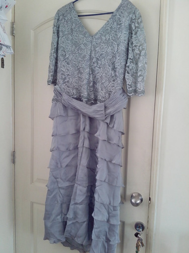 vestido de fiesta color plata