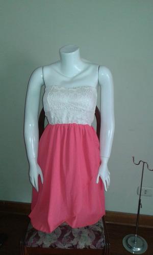 vestido de fiesta coral con cola