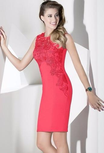 vestido de fiesta corto rosa escote redondo con aplicación