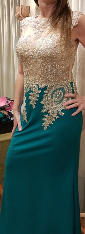 Vestido verde y dorado