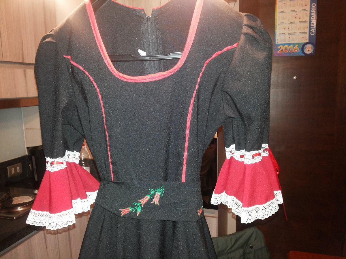 Vestido huasa negro y rojo