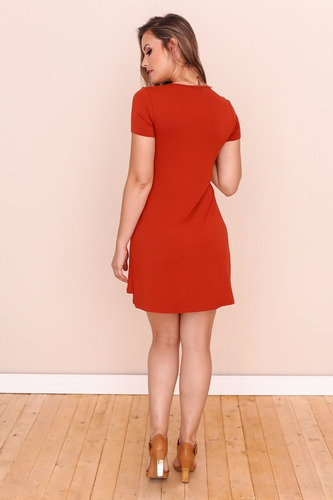 vestido de malha com nó centralizado