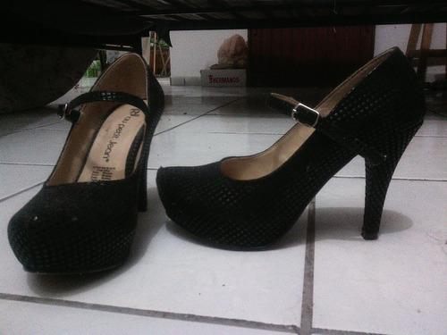 vestido de noche + zapatos de noche