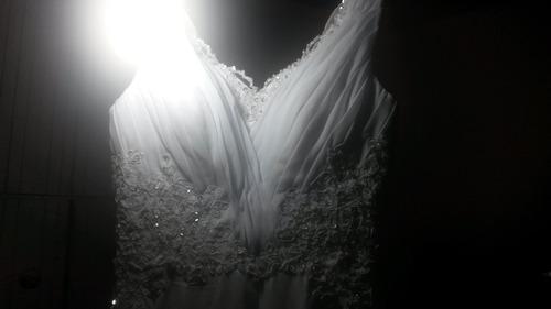 vestido de noiva branco lindo -mpraia - campo - rústico