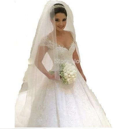 vestido de noiva modelo princesa manga curta com véu