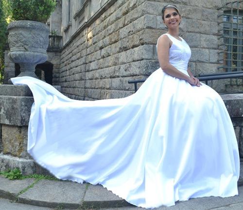 vestido de noiva peito bordado com cauda partylight atelier