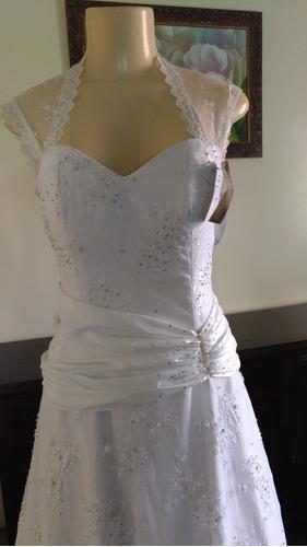 vestido de noiva sereia com calda. renda. branco puro