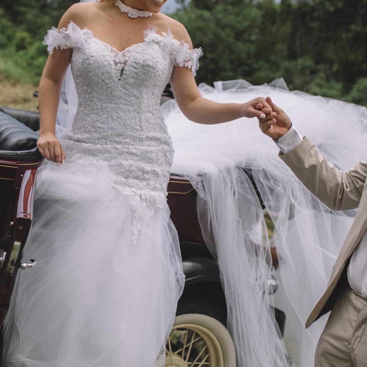 d41ebd2fd4 vestido de noiva via sposa personalizado + sapato. Carregando zoom.