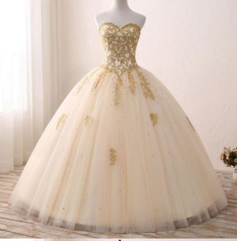 Vestido De Novia Bordado En Color Oro